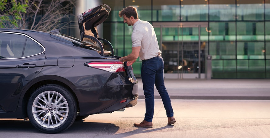 New 2019 Toyota Camry Hybrid Trunk Ease