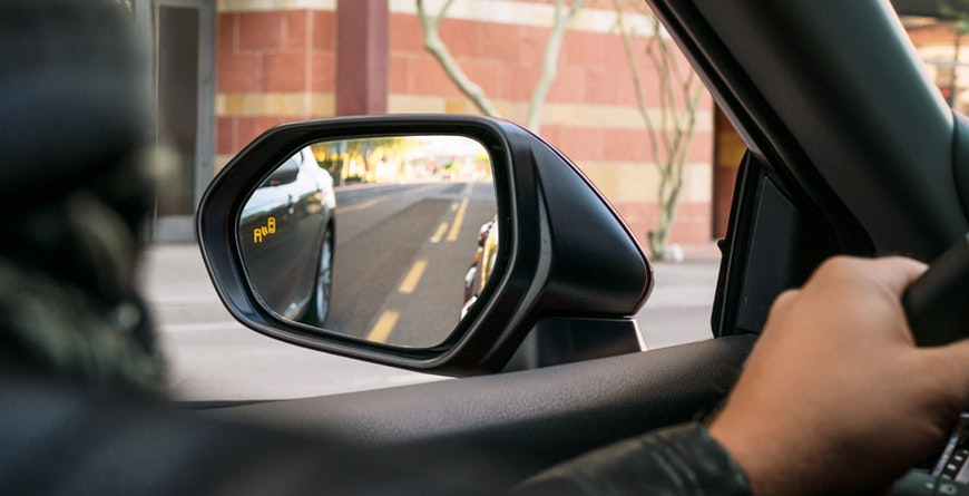 New 2019 Toyota Camry Hybrid Blind Spot Monitor With Rear Cross-Traffic Alert