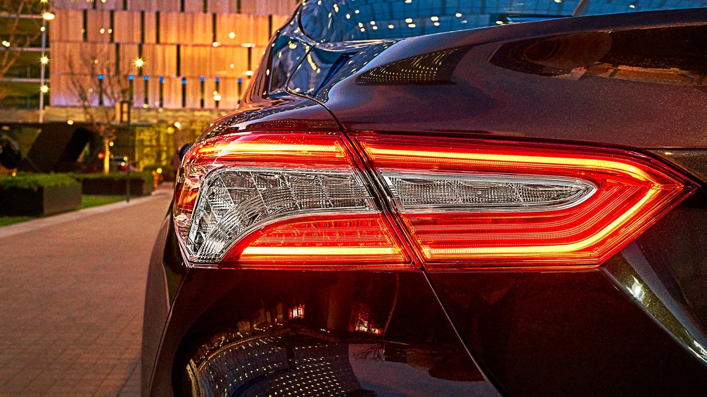 New 2019 Toyota Camry Hybrid Backlit
