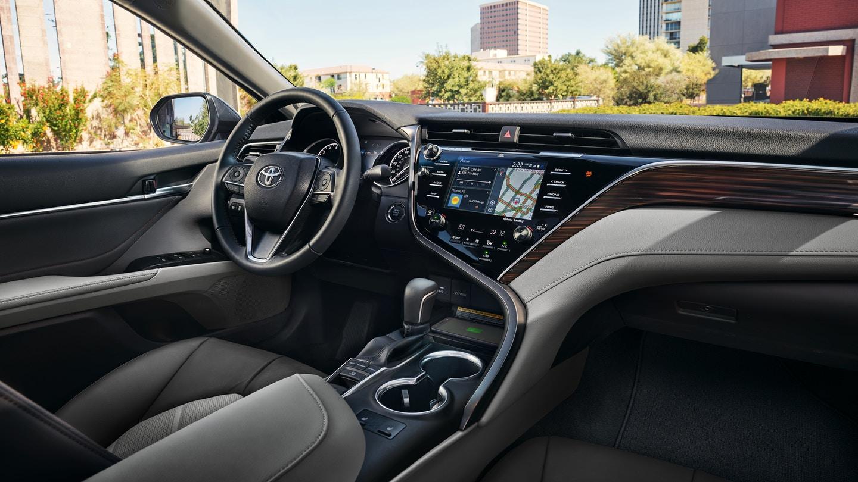 New 2019 Toyota Camry Hybrid Interior