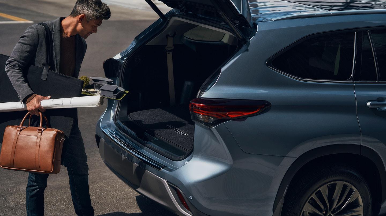 New 2020 Toyota Highlander Storage