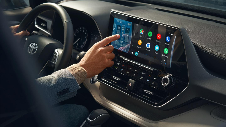 New 2020 Toyota Highlander Technology
