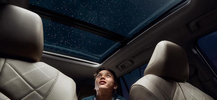 New 2020 Toyota Highlander Panoramic moonroof
