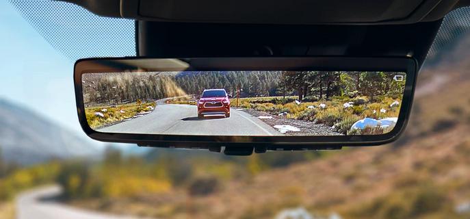 New 2020 Toyota Highlander Digital rearview mirror
