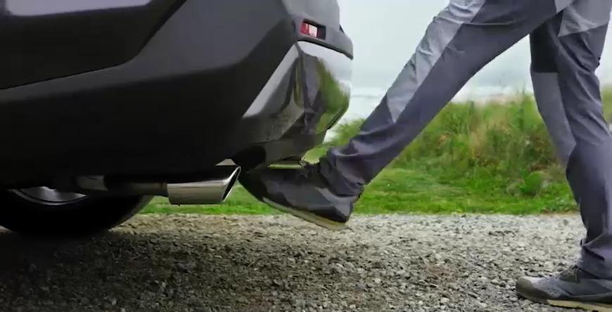 New 2020 Toyota RAV4 Hands-Free Power Liftgate