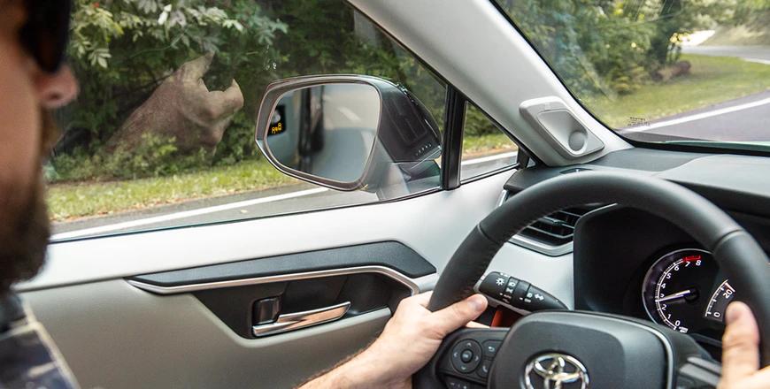 New 2020 Toyota RAV4 Blind Spot Monitor with Rear Cross-Traffic Alert